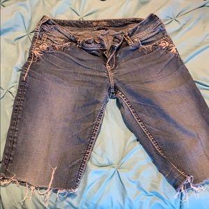 Silver tab cut off burmuda shorts
